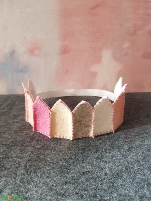 Filc korona rózsaszín 2 (ebihar) - Meska.hu