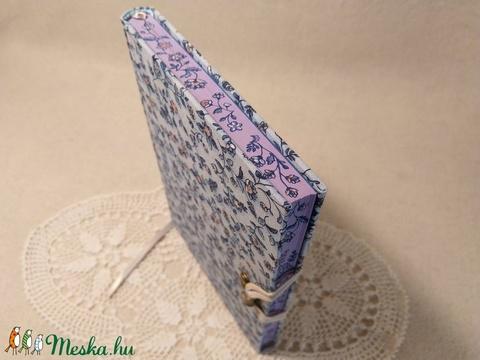 A/5 Kék virágos, vonalas, metszésesfestett napló (Ediba) - Meska.hu