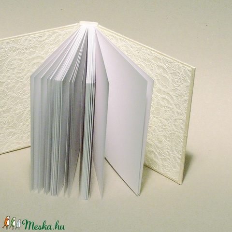 Kisméretű esküvői vendégkönyv, emlékkönyv esküvőre. Hagyományos, kézzel fűzött, gyűrt selyem borító, szalaggal - Meska.hu