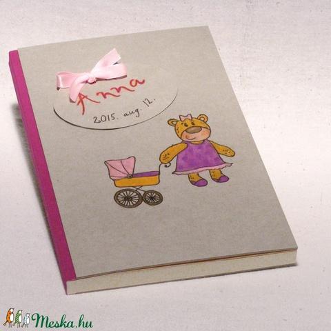 Babanapló, babakönyv kislányoknak, emlékkönyv baba születésére, kézzel fűzött, rajzolt borító lány macival - Meska.hu