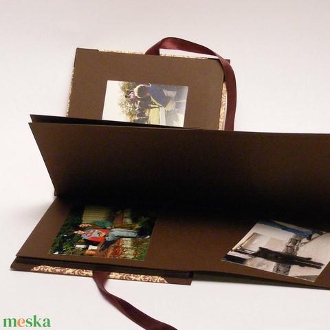 Elegáns, damaszt mintás fotóalbum, fényképalbum, emlékalbum, scrapbook, négyzetes, bézs-barna album szatén szalaggal - Meska.hu