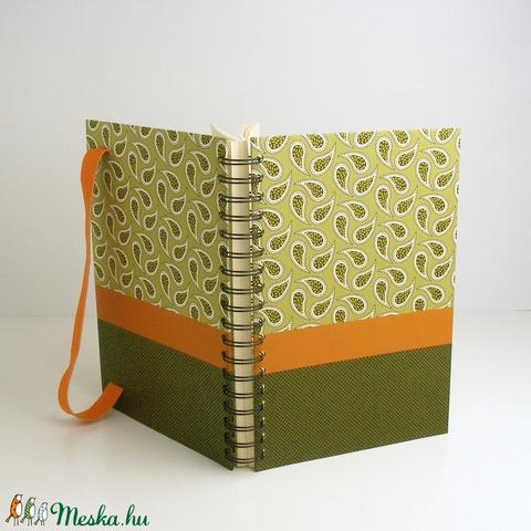 Kasmír mintás (paisley) és pöttyös spirálfüzet kemény borítóval, zöld, narancs spirálozott notesz narancssárga gumival - Meska.hu