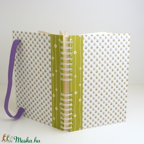 Teázós (csészék és szívecskék) spirálfüzet zöld és rózsaszín kemény borítóval, spirálozott jegyzetfüzet lila gumival - Meska.hu