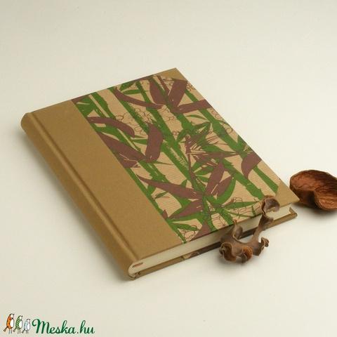 A5 félvásznas napló, emlékkönyv, jegyzetelő sima lapokkal. Kemény borító, bambuszos papír, bézs vászon gerinc és sarkok - Meska.hu