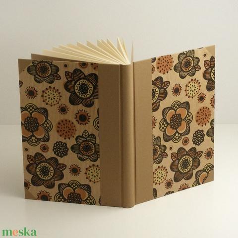 B5 napló, emlékkönyv, vendégkönyv sima lapokkal. Virágos papír kemény borító, bézs vászon gerinc, sarkok - Meska.hu