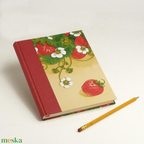 Epres napló, emlékkönyv, jegyzetfüzet, notesz eprekkel. Receptgyűjtő könyv sima lapokkal, epres motívummal, tavaszias - Meska.hu