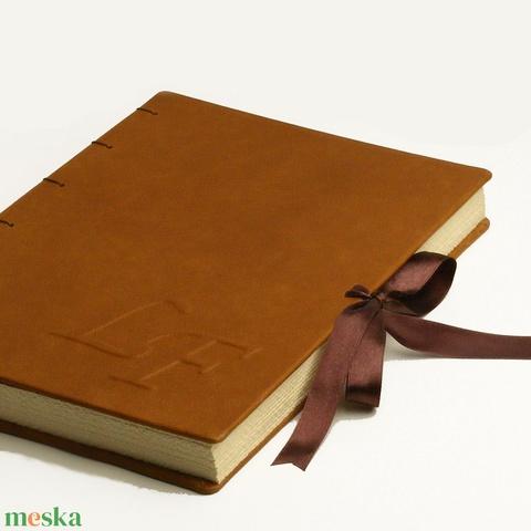 Emlékkönyv, vendégkönyv, napló kopt fűzéssel, valódi bőr borítóval, domborított monogrammal vagy motívummal - Meska.hu