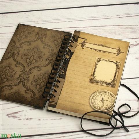 Steampunk, spirálozott jegyzetfüzet, napló, notesz férfiaknak. Nyomtatott elválasztólapok, fém sarkok, bőrzsinór - Meska.hu