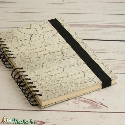 Szürke, repesztett mintás spirálfüzet, spirálozott jegyzetfüzet, notesz gumival, gumis füzet sima, ües lapokkal, férfias - Meska.hu