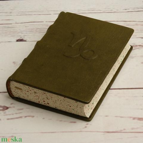 Valódi bőr napló BAK csillagjegyűeknek, középkori technikával, valódi bordára fűzéssel, zöldesbarna borító domborítással - Meska.hu