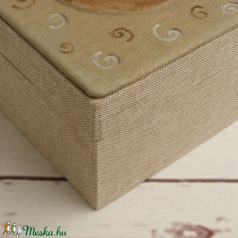 Doboz, díszdoboz, tároló, ajándékos doboz, díszcsomagolás; bőr és vászon kombinációja, ajándékos doboz lovas motívummal - Meska.hu