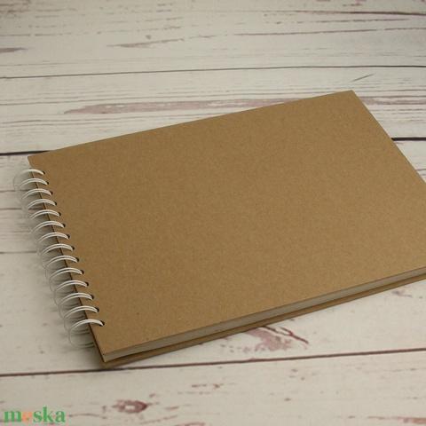 Rajzfüzet díszíthető kemény borítóval, spirálozott füzet A4 rajzlapokkal, SK díszíthető natúr csomagolópapír borítással - Meska.hu