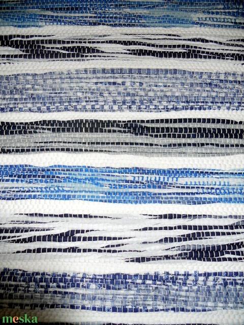 Kék-fehér csíkos szőnyeg (erikj) - Meska.hu
