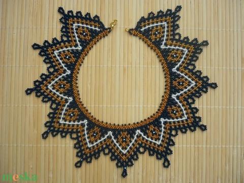 Fekete-arany fehér ukrán gyöngygallér, gyöngynyaklánc, gyöngyékszer - Meska.hu