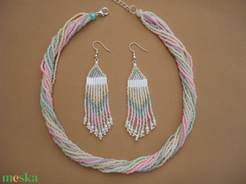 selymes fényű gyöngynyaklánc-fülbevaló szett, gyöngy nyaklánc, gyöngygallér, gyöngy ékszer - ékszer - ékszerszett - Meska.hu