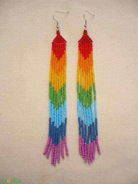 VÁLLIG ÉRŐ, extra hosszú szépséges szivárvány színű gyöngy fülbevaló - ékszer - fülbevaló - csillár fülbevaló - Meska.hu