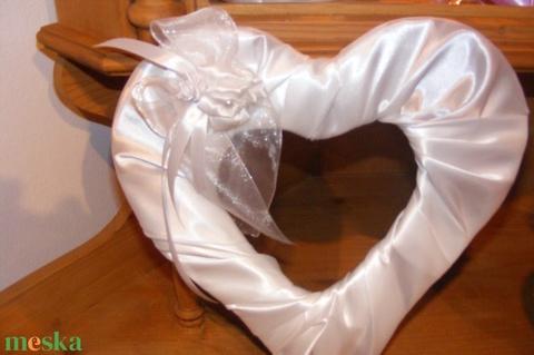 Esküvői szív dekoráció - esküvő - dekoráció - helyszíni dekor - Meska.hu