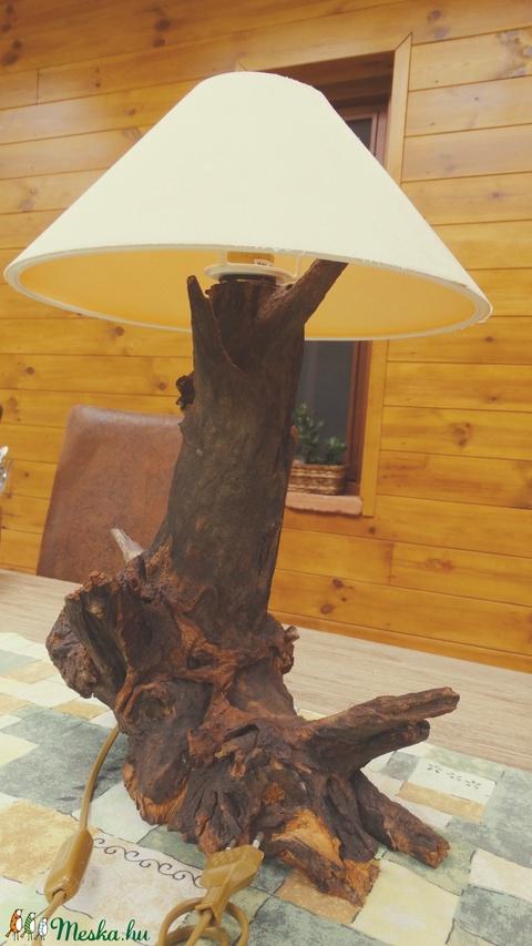 Asztali lámpa (fafurdancs) - Meska.hu