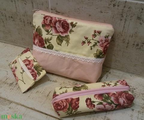 Vintage rózsás neszesszer szett rózsaszínnel - Meska.hu