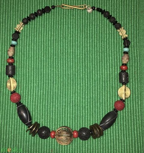 Ghanai öntvényes ghanai gyöngyös japán pénzes nyakék onyx gyöngyökkel - Meska.hu