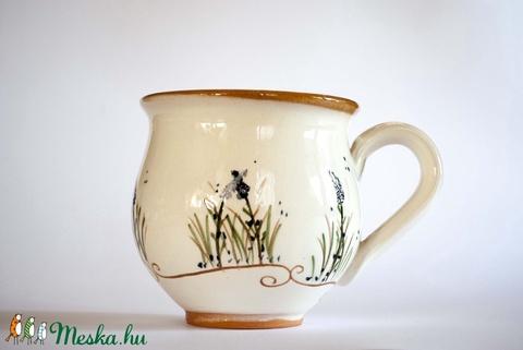 Levendulás bögre, barna, zöld, fehér-kék, fehér-fehér színekben is készítem a bögréket is (FazekasKucko) - Meska.hu