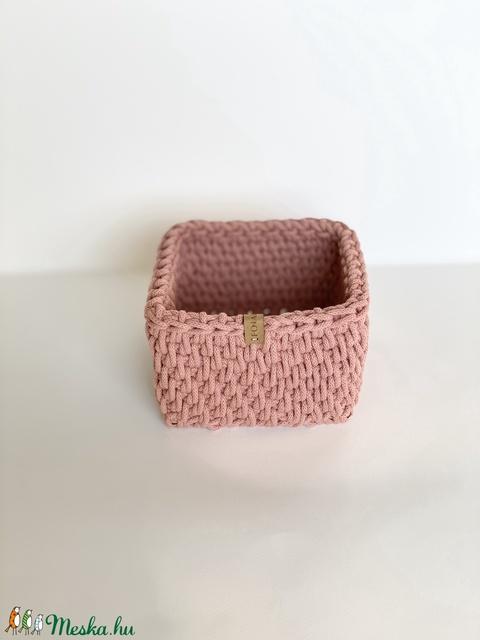 Pasztell rózsaszín tároló, kaspó (fonalkod) - Meska.hu
