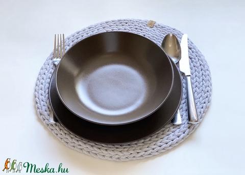 Horgolt tányéralátét szürke (fonalkod) - Meska.hu