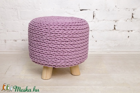 Horgolt ülőke, kisszék háromlábú - rózsaszín (fonalkod) - Meska.hu