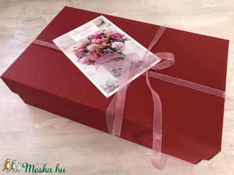 Mesés rózsás ajándékdoboz - Meska.hu