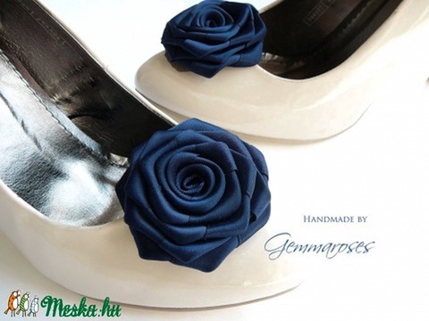 Feketés kék cipőklipsz (gemma) - Meska.hu
