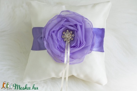 Világos lila gyűrűpárna VÉGKIÁRUSÍTÁS - Meska.hu
