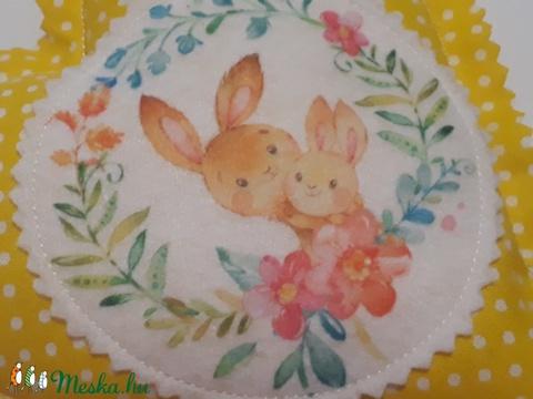 Nyuszi nyuszkójával, szív dekoráció (gerguca) - Meska.hu