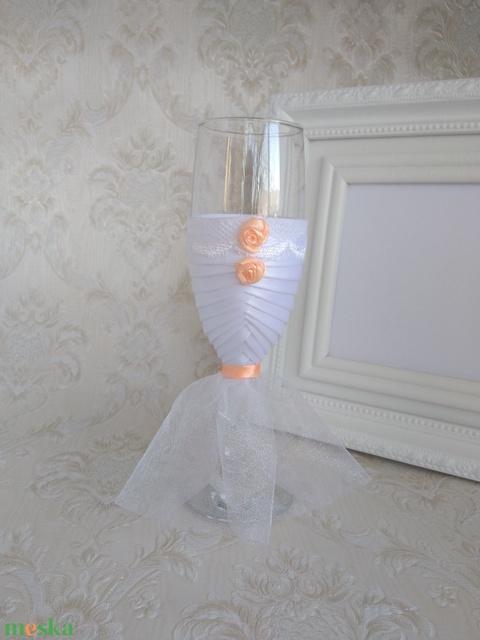 Esküvői pezsgőspohár, barack (gervera) - Meska.hu