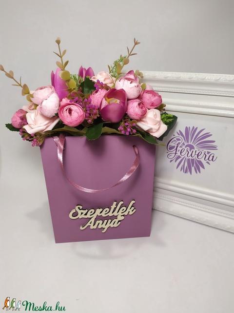Szeretlek Anya, virágok fa táskában - Meska.hu