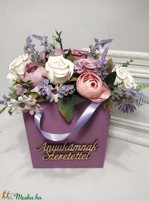 Anyukámnak szeretettel, virágok fa táskában. nagy - Meska.hu