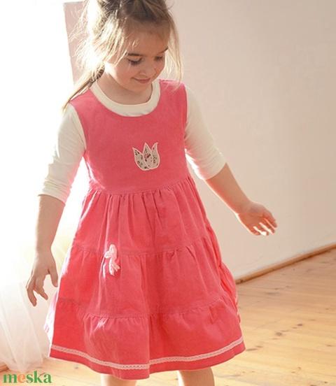 Kord ruha, 110-152-es, világos rózsaszín, hímzéssel, pamut csipkével (gyetomi) - Meska.hu