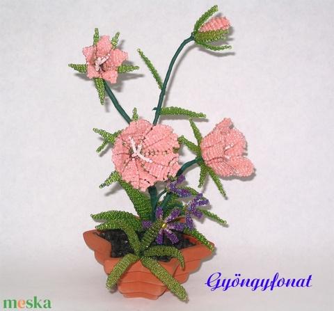 Narack harangvirág mezei virággal gyöngyből csillag alakú cserépben, lakásdekoráció (gyongyfonat) - Meska.hu