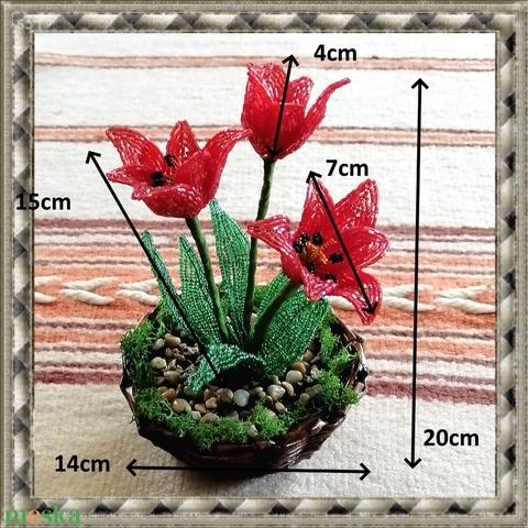 Gyöngyből készített tulipán fonott kosárban GYV26-1 (gyongyvilag) - Meska.hu