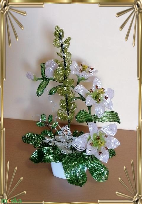 Gyöngyből készített virág kompozíció GYV31 - Meska.hu