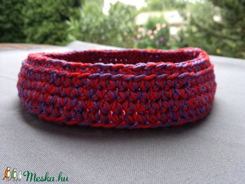 Horgolt kosárka (piros-lila) (hamibatyu) - Meska.hu