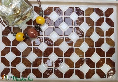 Barna fehér csokibarna népmese madárkás mozaik tálca  kávé és tea kínáló rácsossüti mintával (Hamupupocska) - Meska.hu