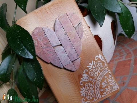 Szívecske falikép Mozaik vöröses kő szív kép fehér vintage csipke mandala díszítéssel (Hamupupocska) - Meska.hu