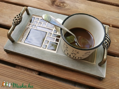 Animus kávés mozaik tálca, réz lábakkal, réz fogantyúkkal - kávébarna (Hamupupocska) - Meska.hu
