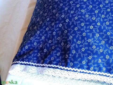 Vidékies  stílusú díszpárna huzatok kékfestő  csipke és farkasfog díszítéssel - kék és bézs - Meska.hu