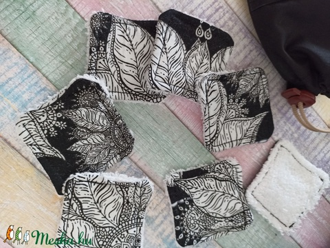 Fekete -fehér mandala virág mintás arctisztító törlőkendő- négyzet  (7db+tároló) - szépségápolás - arcápolás - arctisztító korong - Meska.hu