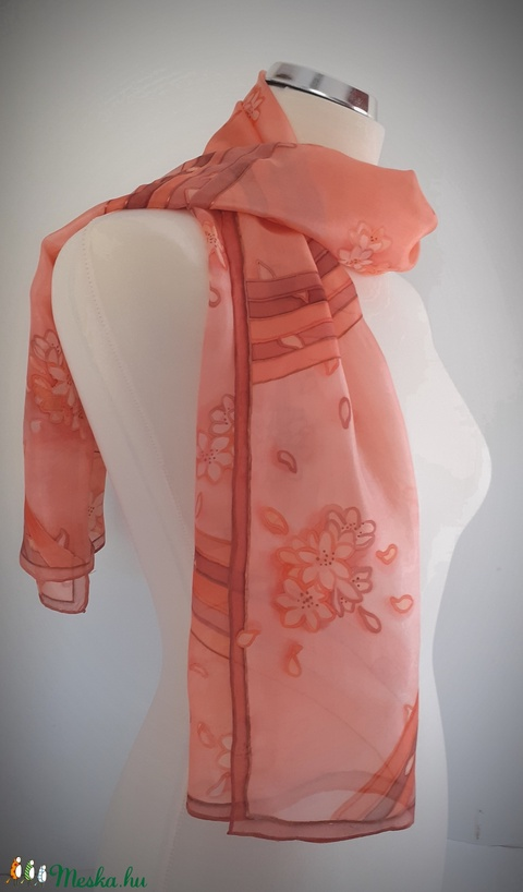 Lazac színű virágos selyemsál (HerSilk) - Meska.hu