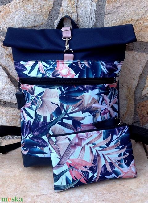 Kék-rose mintás hátitáska, első zsebbel, vízálló - valódi bőrrel - laptoptáska - nagyobb méret+ neszivel szettben - Meska.hu