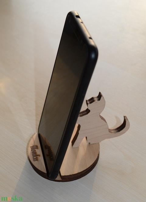 Mobiltartó, cicás, átmérő 8 cm, kérésre egyedi névvel ellátott (HisziArt) - Meska.hu