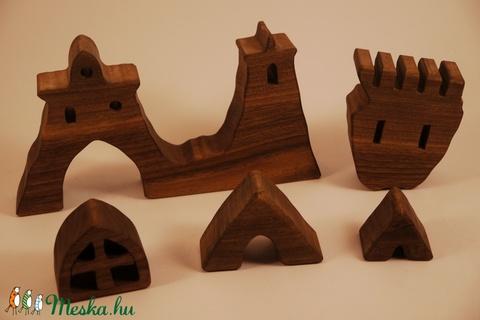 Fa vár, fa építő,  (hollossybela) - Meska.hu