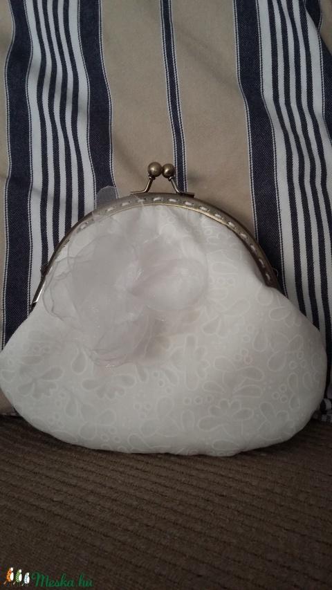 fehér mintás esküvői tárca fémkerettel (HollyH) - Meska.hu
